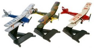 72TM004 Glasmoth Tiger Moth Set of 3